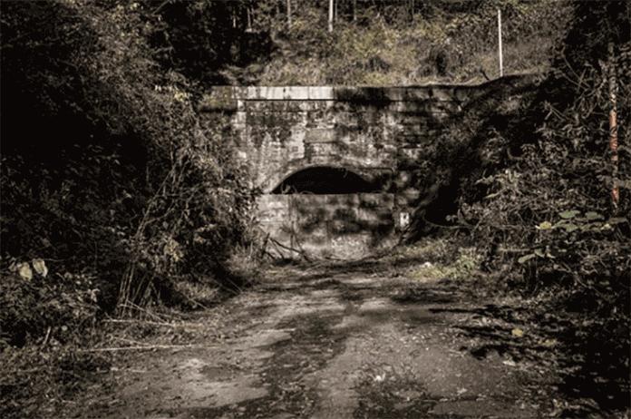 旧犬鳴トンネル画像